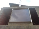 Detalle panel solar vertical para fachadas
